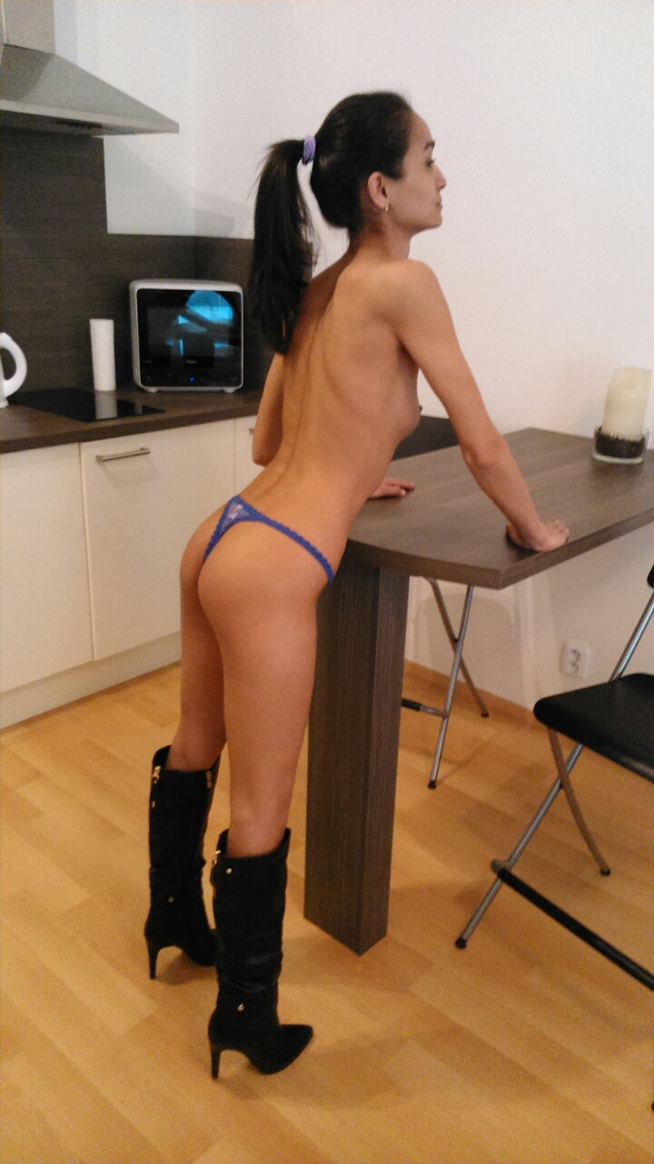 cachonda high class escort prague