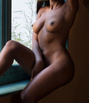 MAKEDA VIP escort